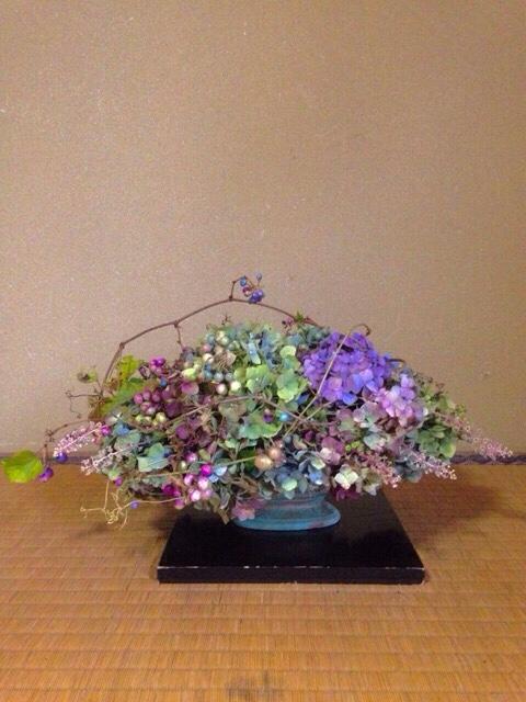 秋色紫陽花・野葡萄・洋種山牛蒡